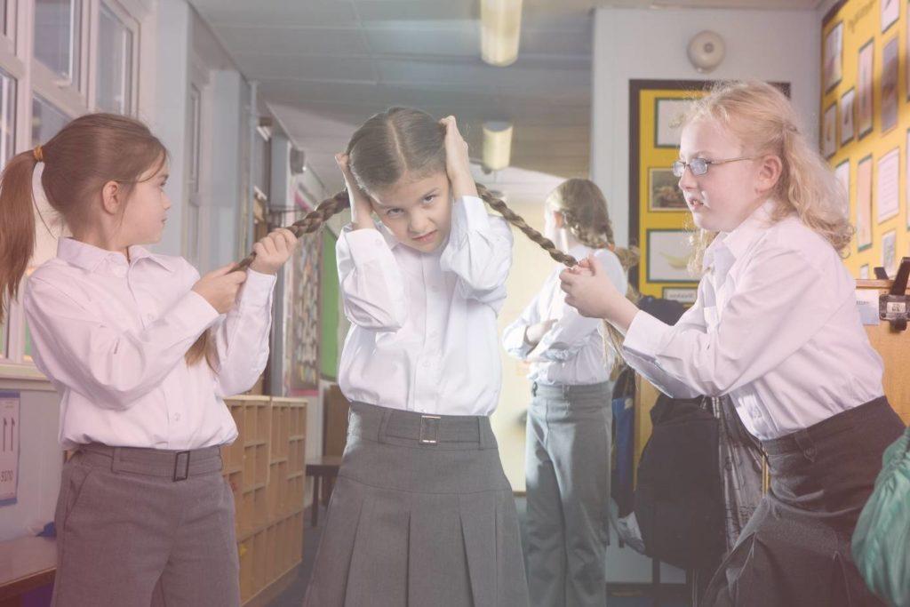 Травля в школе - как помочь ребенку